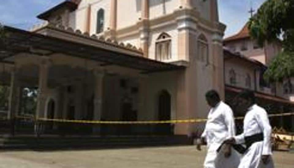 Sri Lanka slaps controls on mosques after Easter attacks