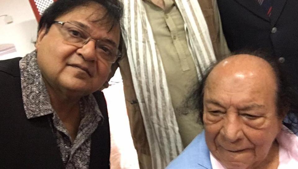 Actor Rakesh Bedi with acting guru Roshan Taneja, who died on Friday.