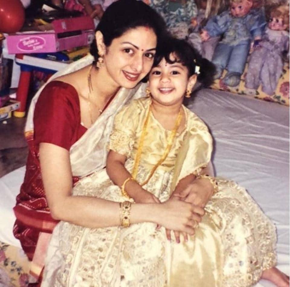Janhvi Kapoor remembers mom Sridevi on Mother`s Day