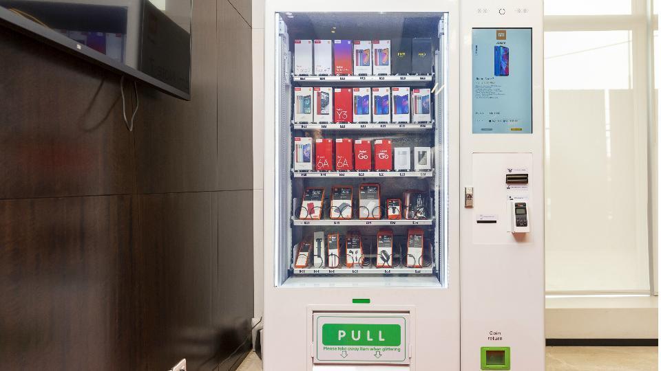 Xiaomi will install vending machines in major cities across India.