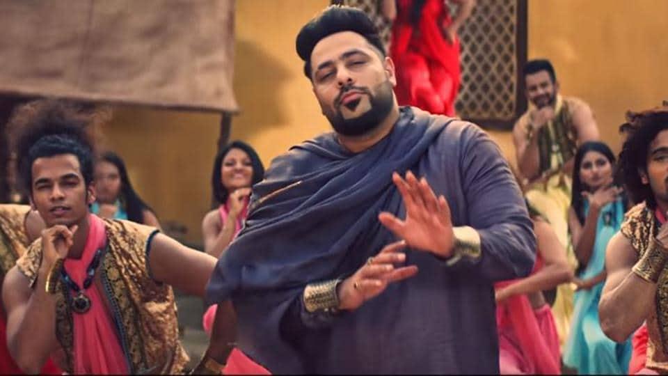Badshah in the Sab Sahi Hai Bro music video.