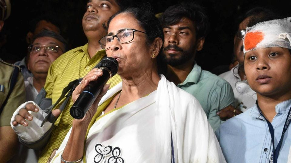 Bengal chief minister Mamata Banerjee visits Vidyasagar college premise where a statue of Vidyasagar was vandalised after clashes between BJP workers and TMC members during BJP chief Amit Shah's road show in Kolkata.