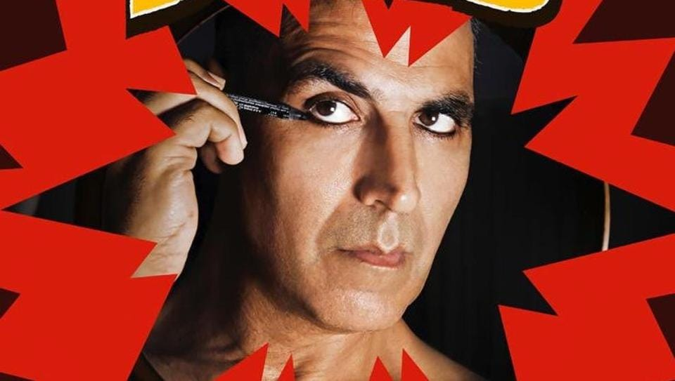 Akshay Kumar can be seen applying makeup in Laxmmi Bomb first look.
