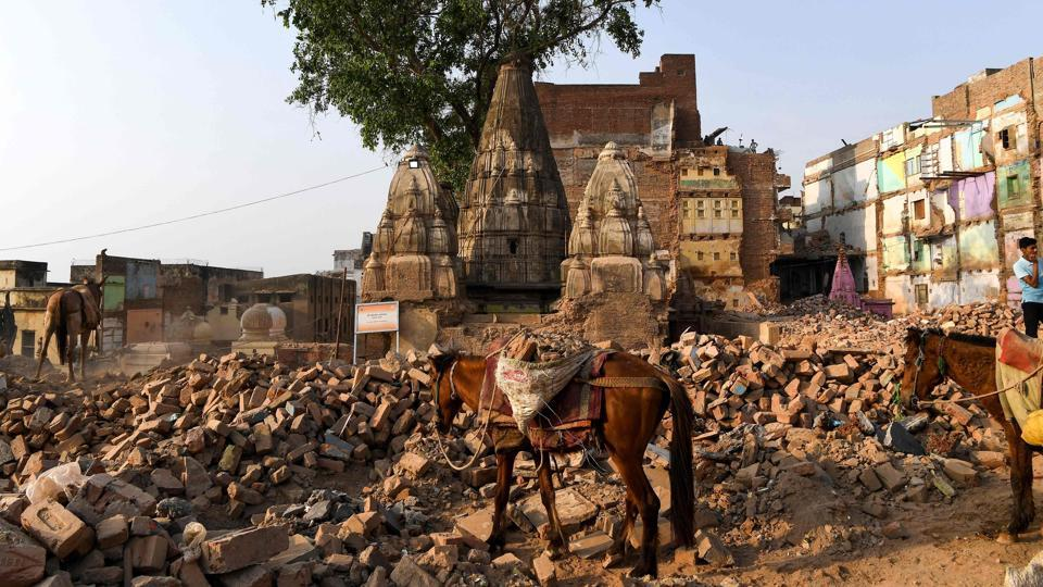 Old buildings demolished to build the Kashi Vishwanath Corridor, a building project to connect the main temple to the ghats, in Varanasi, Uttar Pradesh. (Prakash Singh / AFP)