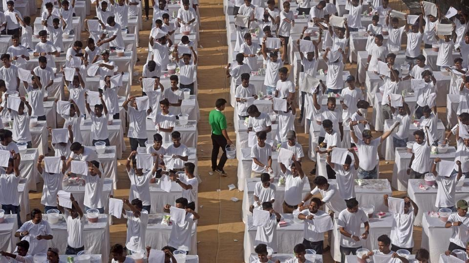 400 boys attempt the largest laundry lesson for Guinness World Records at St. Stanislaus Ground in Mumbai, Maharashtra. (Satyabrata Tripathy / HT Photo)
