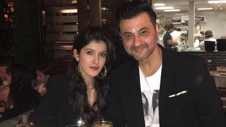 Sanjay Kapoor welcomes daughter Shanaya to Bollywood, shares new pic from her shoot