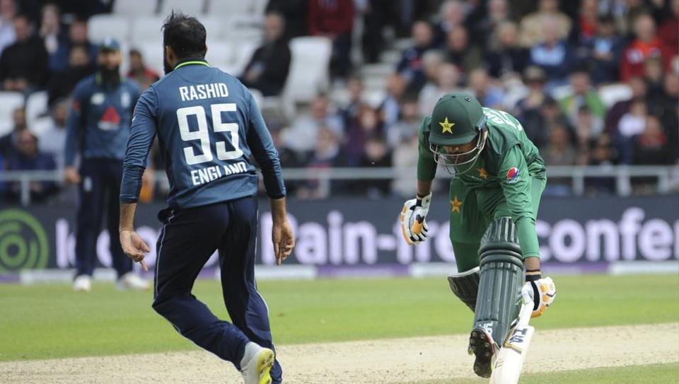 Adil Rashid,run-out,Pakistan