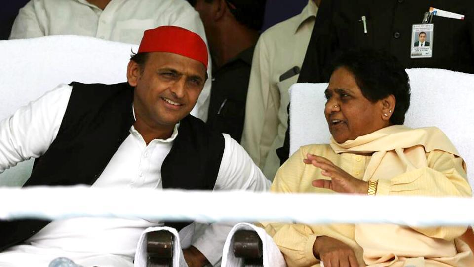 A day after the Lok Sabha elections ended and exit polls predicted gains for the SP-BSP alliance in politically crucial state Uttar Pradesh, Akhilesh Yadav called on Mayawati at her residence in Lucknow on Monday. The meeting comes two days ahead of the counting of votes for the Lok Sabha elections and in the backdrop of efforts at opposition unity by another regional leader TDP's Chandrababu Naidu. (ANI File)