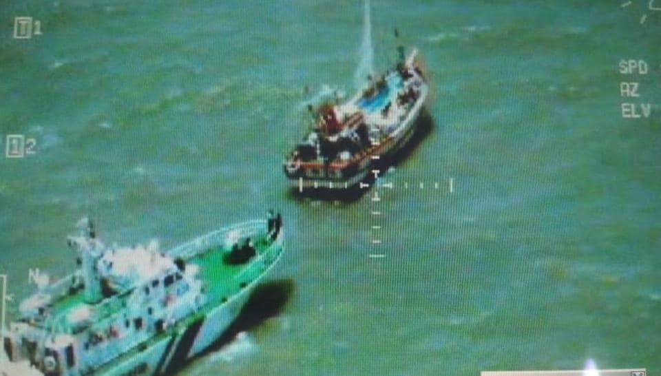 Pak fishing boat carrying contraband was caught