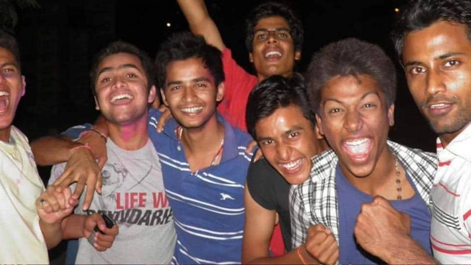 Hardik Pandya posts throwback picture - Celebrating 2011 win to playing ICCWorld Cup 2019