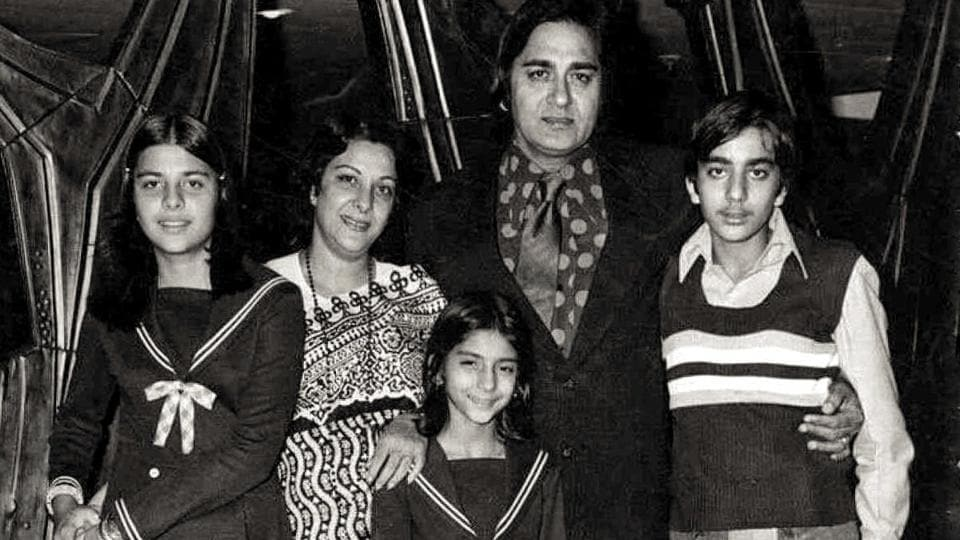 Sanjay Dutt shares throwback family pic with an emotional ...