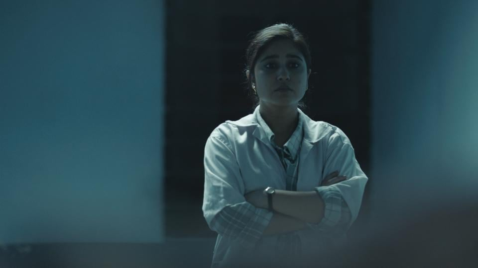 A still from Season 2 of Laakhon Mein Ek, where Shweta Tripathi plays a young doctor on a rural assignment. 'Being an actor pushes you to explore what drives someone else's choices; being an actor you realise you just cannot be judgmental,' she says.