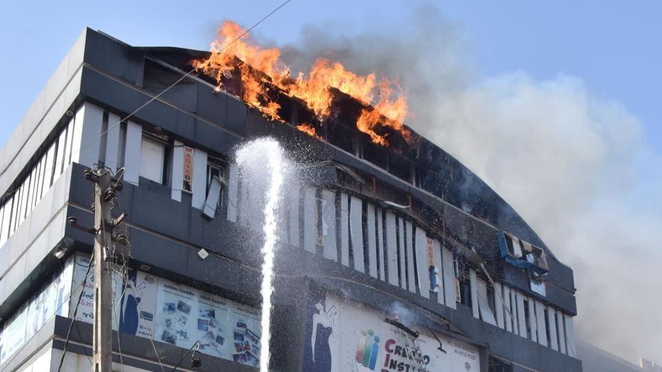 Surat fire,India news,Surat building fire