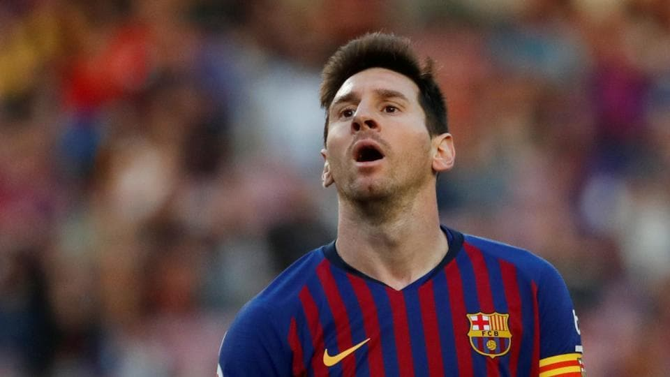 Messi under serious attack for playing for himself