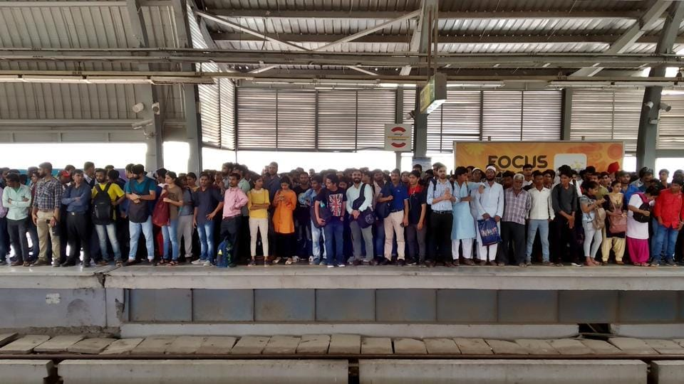 Heavy rush of commuters seen inside Chattarpur metro station due to the breakdown of Metro service between Qutub Minar to Sultanpur Station, in New Delhi.