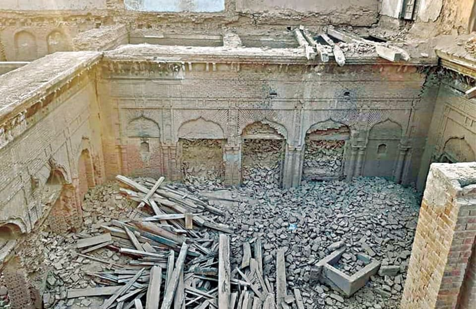 A group of locals in Pakistan's Narowal partially demolished a four-storey centuries-old Guru Nanak palace