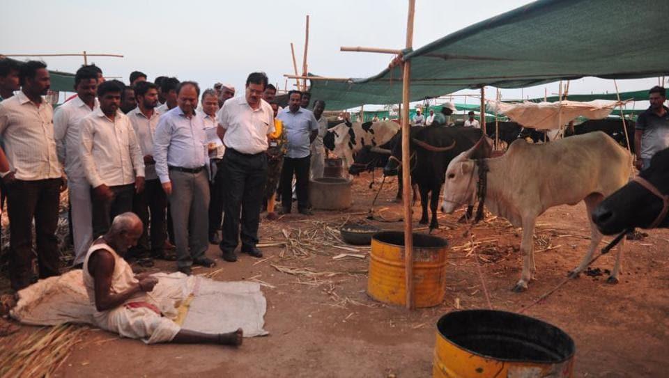 Dr Deepak Mhaiskar, Pune region's divisional commissioner, visited draught affected villages along with other officials.