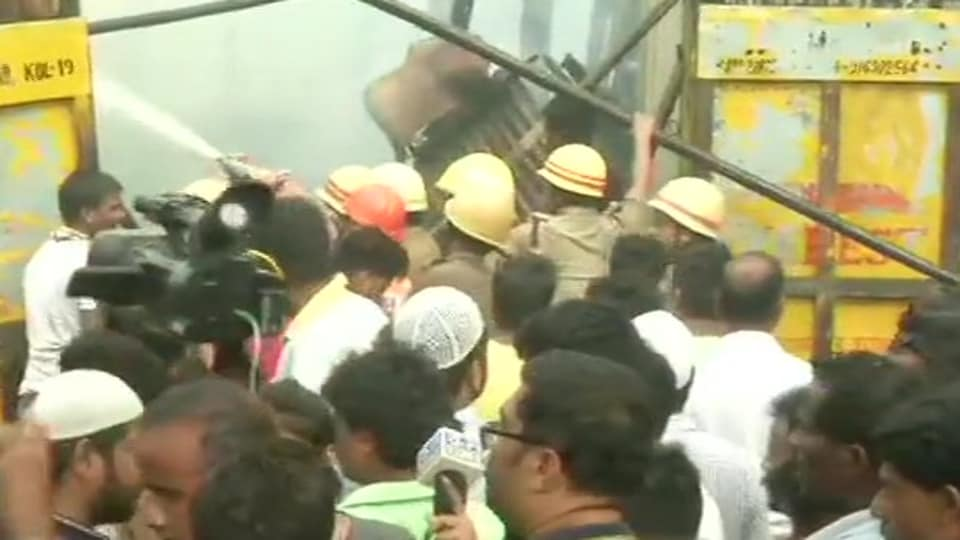 An officer of Kolkata Police said that there was no casualty in the incident.