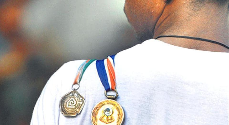 delhi,bravery award,lives
