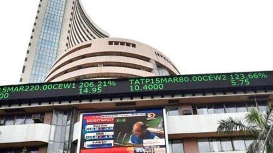 Nifty, Sensex Edge Lower Over Global Recession Fears