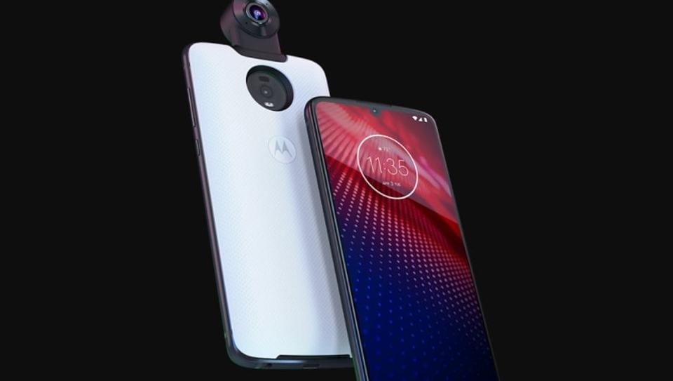 Moto Z4 comes with 48-megapixel sensor with night vision support.