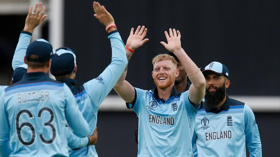 England's Ben Stokes (C) celebrates with teammates after taking the last wicket of South Africa's Imran Tahir and England win by 104 runs in the 2019 Cricket World Cup group stage match between England and South Africa at The Oval in London on May 30, 2019.