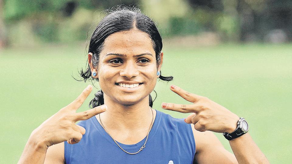 Dutee Chand at the 55th National Open Athletics Championships (200 m Run Women) at SAI Complex Kolkata, September 19, 2015