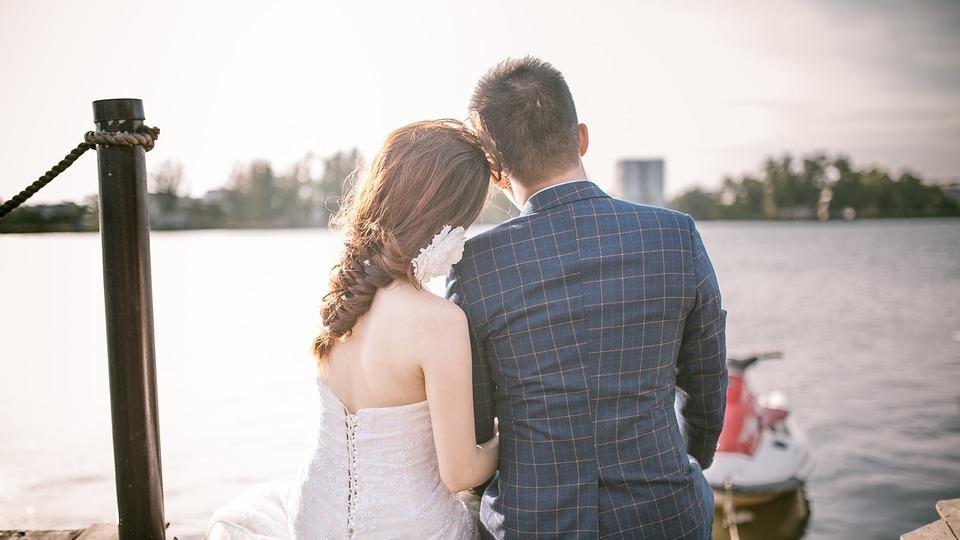 Even though pre-wedding jitters are completely normal, it often affects one, psychologically and emotionally, share relationship experts.