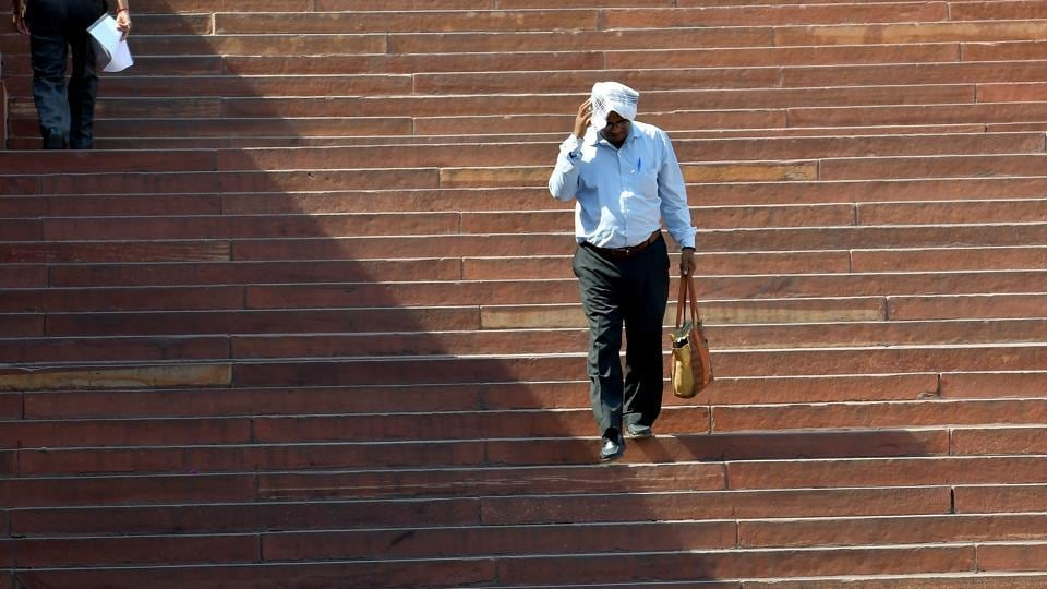 With the entire Uttar Pradesh being in the grip of a heat wave condition, the Lucknow meteorological centre on Friday issued a warning that some eastern parts of the state could experience severe heatwave conditions.