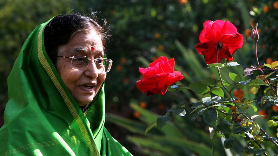 "Former Indian President, Pratibha Patil has been conferred the ""Orden Mexicana del Aguila Azteca"" (Order of the Aztec Eagle) - the highest civilian award of Mexico given to foreigners. The Ambassador of Mexico to India, Melba Pria, conferred the award on Patil - who created history as this country's first woman President (2007-2012), at a special ceremony held in the MCCIA Bhavan, Pune. (Mohd Zakir / HT Archive)"