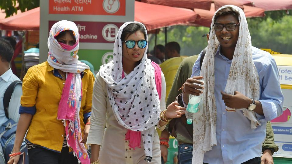 To denote the severity of weather condition, with red being the most extreme; Punjab, Haryana, Chandigarh and Delhi, west and east Uttar Pradesh, parts of Rajasthan and Vidarbha are covered by the red warning, Indian Meteorological Department said In extreme heat conditions, there is a very high likelihood of heat illness and heat stroke for people of all ages. (Raj K Raj / HT Photo)