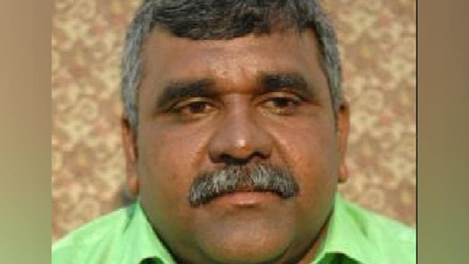 Asansol municipal corporation mayor and Trinamool Congress MLA Jitendra Tiwari on Saturday lodged a police complaint saying Bharatiya Janata Party (BJP) Union minister  Babul Supriyo abused him over a phone call