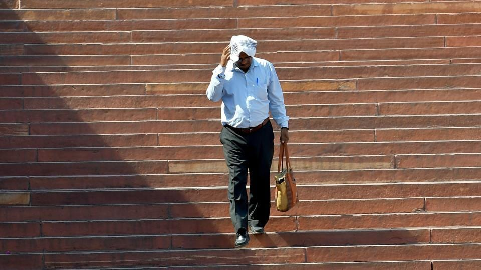 With the maximum temperature of Noida and Greater Noida at 46 degree Celsius, the same as Friday, heat wave in the region continued to prevail on Saturday as well
