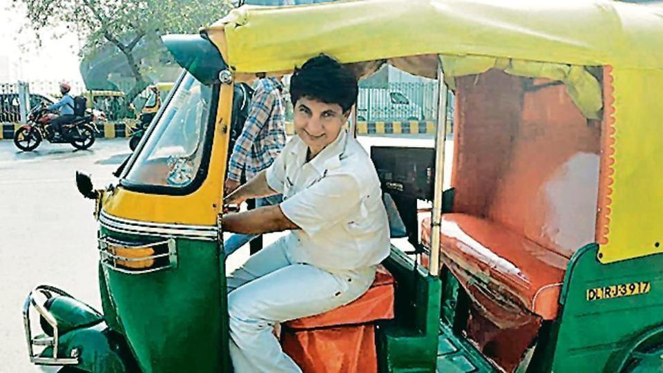 Delhi,driver,robbed