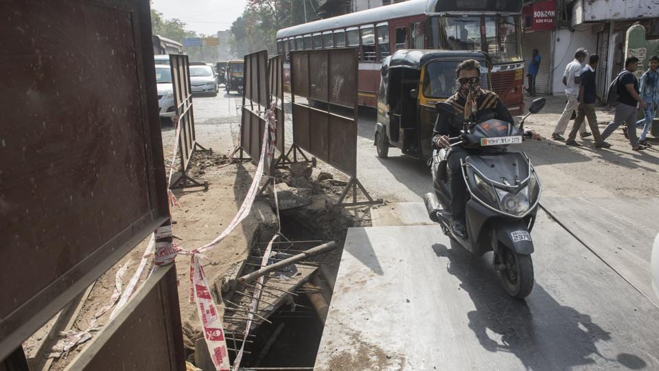 An open trench near Michael High School on LBS Road, Kurla in Mumbai, on Tuesday, May 28, 2019.  Even as the monsoon is likely to arrive in Mumbai by the second week of June, the BMC is still struggling to close trenches and finish road works.