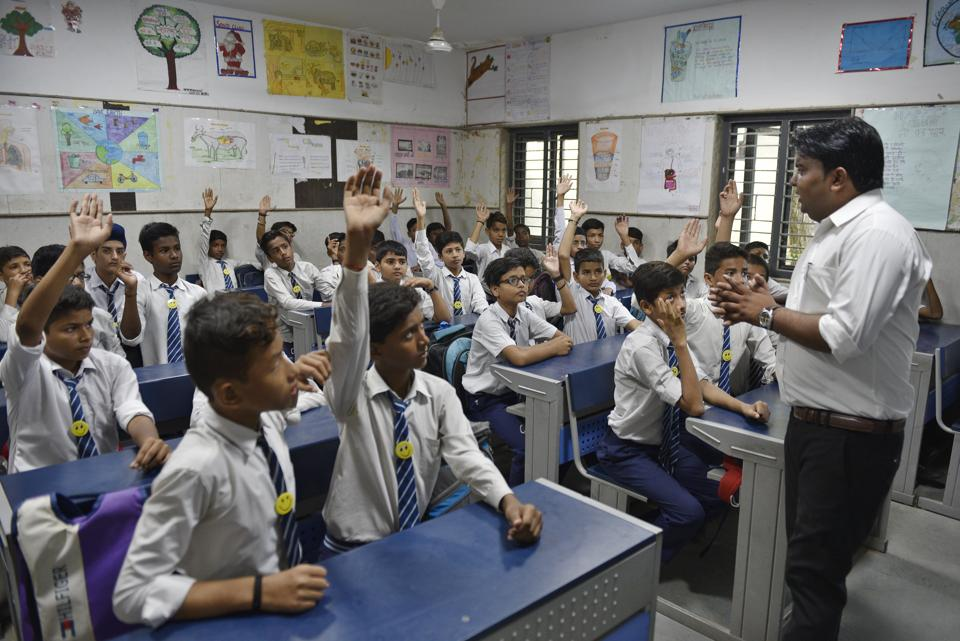 The draft education policy released by the union human resource development ministry last week has been approved by the Bharatiya Shikshan Mandal (BSM), an offshoot of the Rashtriya Swayamsevak Sangh (RSS).