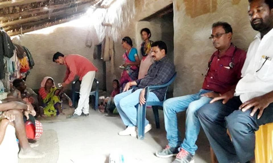 Team of officials at the residence of Ramcharan Munda ,who allegedly died of hunger in Latehar district
