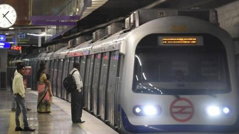 Delhi Metro commuters faced delays lasting over 30 minutes on the Kashmere Gate-Ballabhgarh Violet Line on Wednesday.