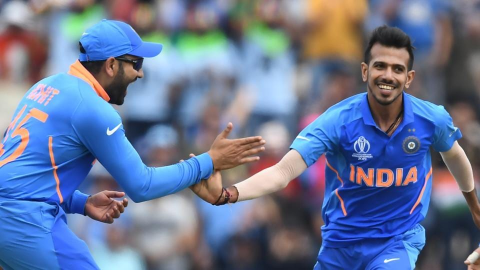India's Yuzvendra Chahal (R) celebrates with teammates after dismissing South Africa's Rassie van der Dussen for 22 during the 2019 Cricket World Cup group stage match between South Africa and India at the Rose Bowl in Southampton, southern England, on June 5, 2019.
