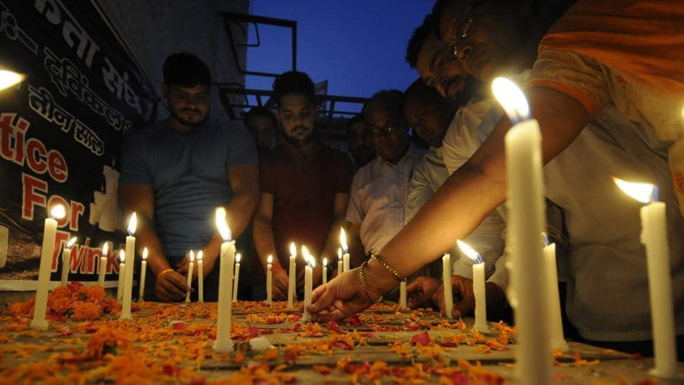 Aligarh girl's murder,Aligarh murder case,Shiv Sena