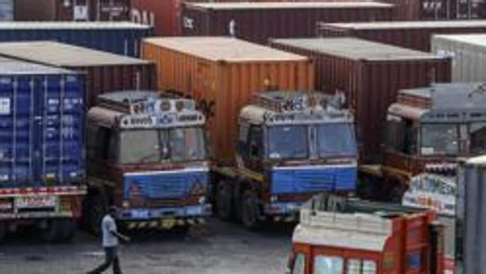 Containers,silver worth Rs 40 crore,Rs 40 crore