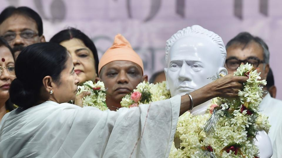 West Bengal Chief Minister Mamata Banerjee unveiled a bust of Ishwar Chandra Vidyasagar at the Hare School ground. The bust of Vidyasagar, a 19th-century social reformer, was vandalised in clashes between BJP and TMC workers at Vidyasagar College during BJP president Amit Shah's roadshow on May 14. The unveiled bust will now be taken from here to Vidyasagar college where it will be re-installed at the same place where a similar statue was broken (Ashok Bhaumik / PTI)