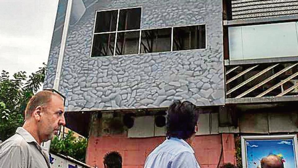 churchgate,bandra skywalk,monsoon in mumbai