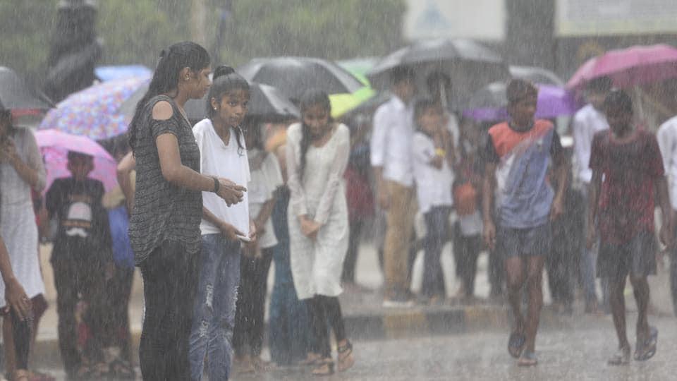 cyclone vayu,rains in mumbai,mumbai air