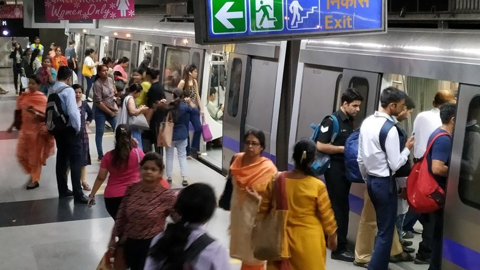 Delhi Chief Minister Arvind Kejriwal on June 3 had announced women will soon get to travel free in metro and state-run buses. Kejriwal said the free ride offer will be optional, women who can afford it will be able to pay for the ride. (Sanjeev Verma/HT photo)