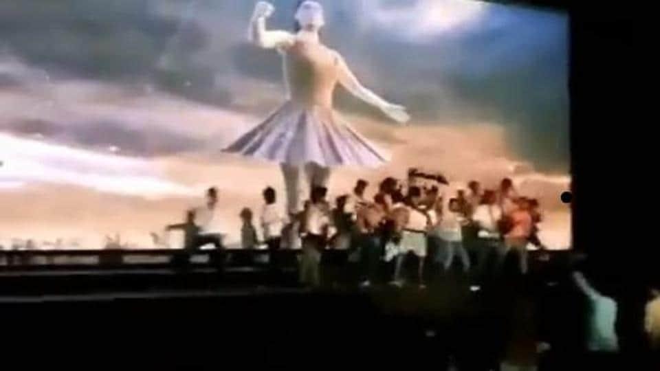 Shraddha Kapoor,Shraddha Kapoor Saaho,Saaho Teaser
