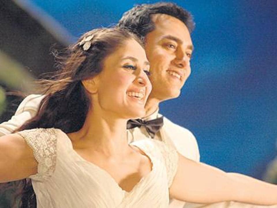 Aamir Khan and Kareena Kapoor Khan in a still from  3 Idiots.