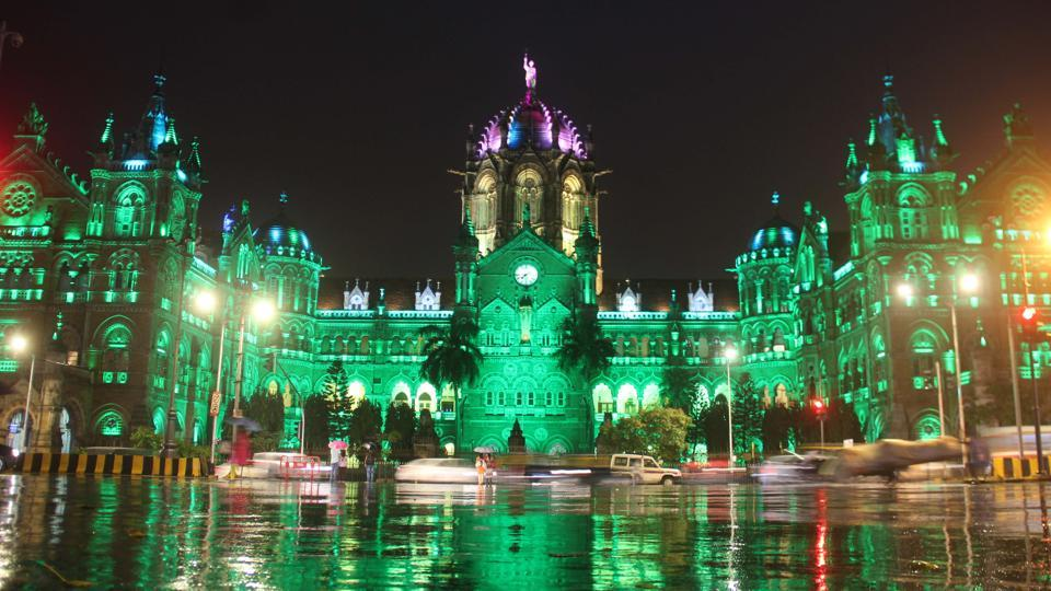 Train passengers arriving at the Chhatrapati Shivaji Maharaj Terminus (CSMT) may soon be able to take prepaid black-and-yellow taxis from the exit towards P D'Mello Road.