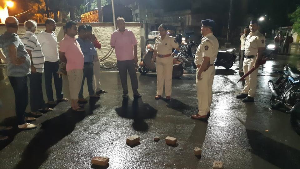 The Dehu road police are still on a lookout for leads in the attack of Jikki alias Vishal Khandelwal, a Dehu Cantonment Board member of Bharatiya Janata Party (BJP).