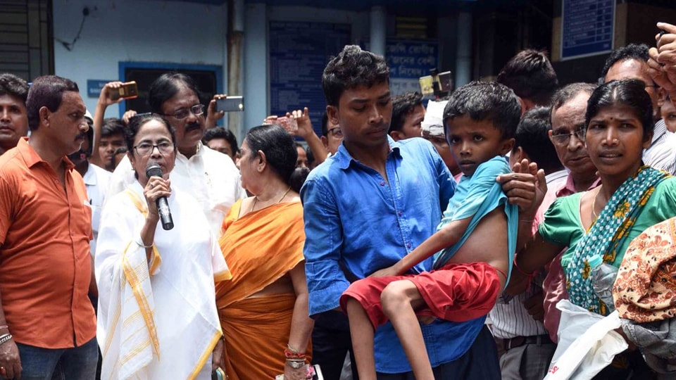 Striking Bengal doctors agree to meet Mamata Banerjee, but with a condition